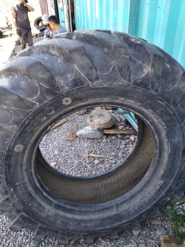 Шина на трактор размер 15.5-25 новый почти договоримся в Бишкек