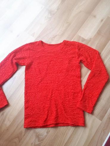 Bluza kao nova bez tragova nosenja, jako rastegljiva, odgovara S/M br. - Despotovac - slika 2