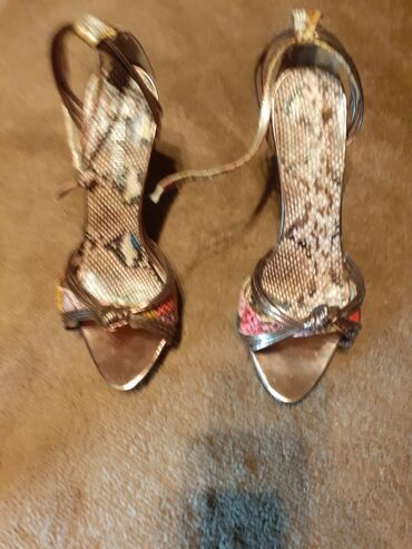 Sandale,staro zlato sa stiklom