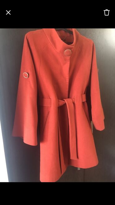 Пальто тёплое брала в Дубаиженское одето не более 4-5 раз, в
