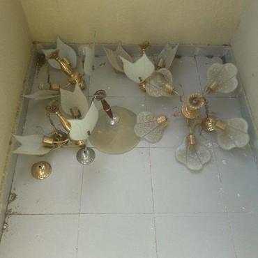 Xırdalan şəhərində 1 zal 2 si kalidor ve otaq ucun lusturler hamisi bir yerde 30 manat