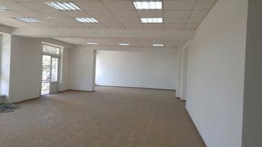 сдам помещение 333 кв. м: 161,5 на 1 этаже и 161,5 на цокольном, в Бишкек