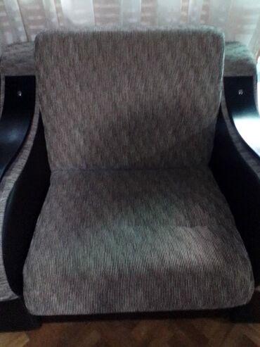 Prodajem novu fotelju kao dvosed velika na rasklapanje