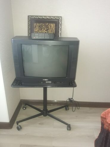 samsung fino se в Кыргызстан: Телевизор с подставкой. Состояние отл.с пульт есть