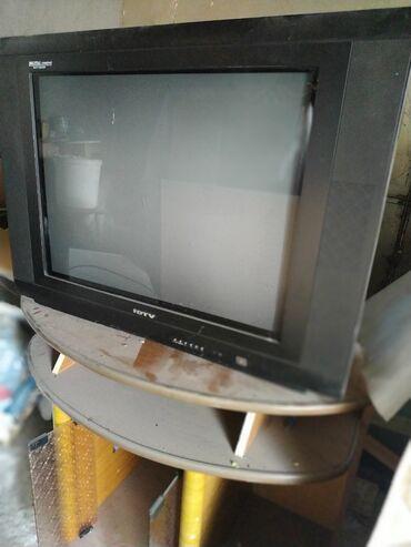 Продаю телевизор с подставкой вместе
