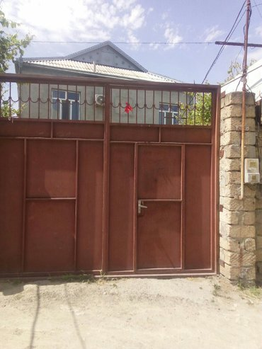 Xırdalan şəhərində Xirdalanda 2.5 sotda 2 màrtàbàli 5 otaqli orta tàmirli hàyàt evi