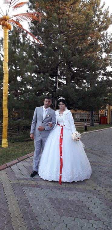 свадебное платье +туфли и плоточки на руки на прокат не дорого в Кант