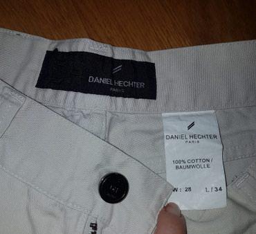 Muska bez s - Srbija: Muske pantalone, model farmerki, bez boje. Firma Daniel Hechter