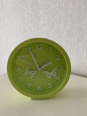 Антикварные часы - Кыргызстан: Яркие часы. Рабочие. Есть будильник.  Состояние 9.5/10  Работает на ба
