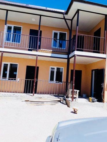 Продаю 2-х этажный коттедж 560кв.м под в Чолпон-Ата