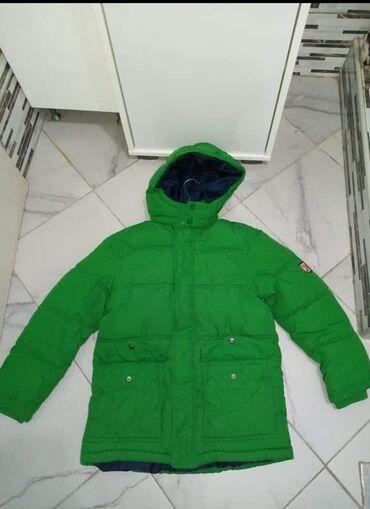 Pocepane na kolendublji - Srbija: H&M perjana jakna, za dečake 10-12 godina, broj 152Duzina 62 cm