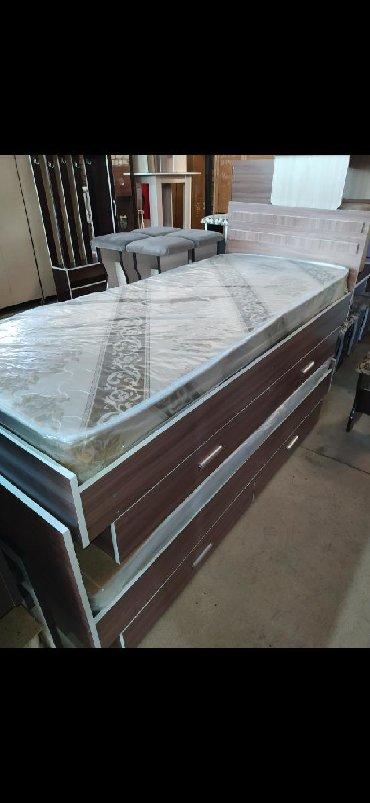 Новые односпальня кровать с выдвижными ящиками из российкого материала