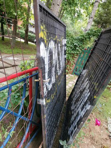 Vrata - Srbija: Kapija/ograda sa bravom, iz dva dela. Čelični profil sa armaturom + li