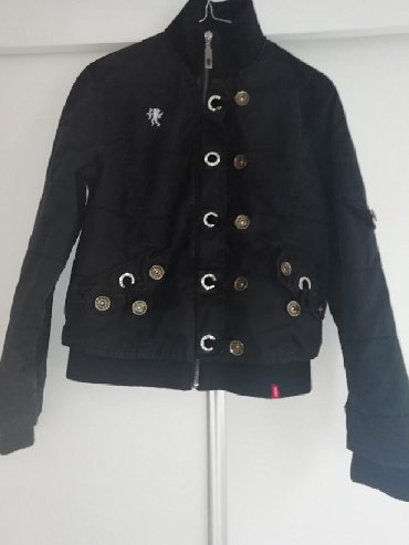 Esprit crna jaknica,malo nošena,veličina M,odgovara br 36