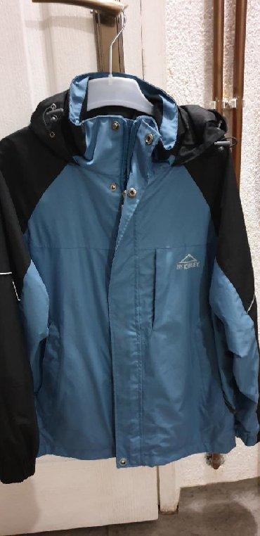 Dečije jakne i kaputi   Batajnica: Kao nova jakna za decaka velicina152 ili za dete od 12 godina bez