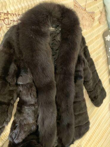 слип без рукавов в Кыргызстан: Продаю шубу из кролика, мех натуральныйРазмер М. Цвет