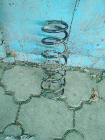 Продаю пружину на авенсис передний на дизель об. 2.0 универсал в Бишкек