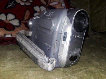 Bakı şəhərində Videokamera,qutusu,adaptoru,kasseti.