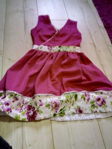 Prelepa haljinica ocuvana nosena samo dva puta, velicina 8. Elegantna - Pozarevac
