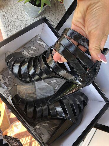 Miss sixty sandale. Ocuvane,jako udobne. 37 broj