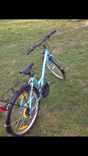 Bicikla može da bude i muška i ženska očuvana menjač radi kočnice