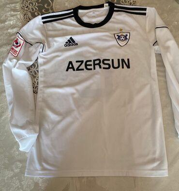 İdman formaları - Azərbaycan: Futbol formasi: Qarabagin 2ci formasi,Qara Qarayevin terli formasidi