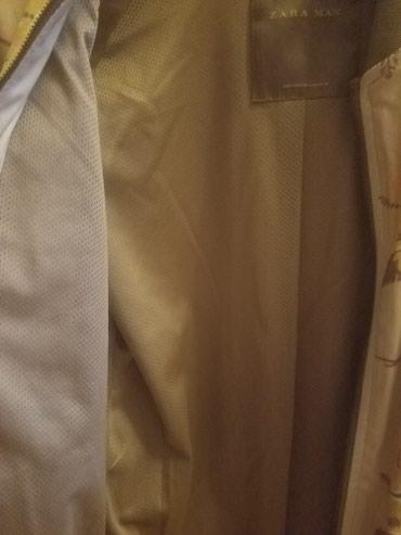 Xırdalan şəhərində Payiz-yaz kurtkasi. Zara firmasi. Az muddet geyilib. Razmer 40(L)