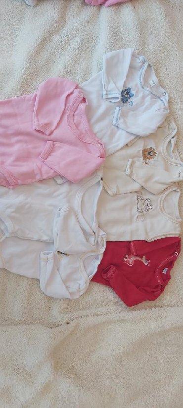 Dečija odeća i obuća - Zabalj: Bodici za bebu u velicini 56 Cena za sve 1000 Cena pojedinacno 250