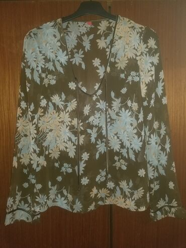 Bluza Esprit, veličina XXS, jednom obučena, u odličnom stanju