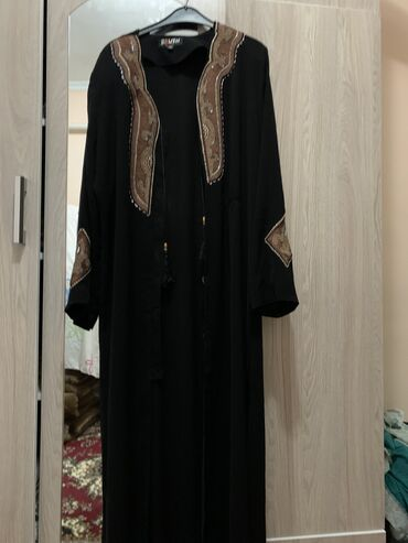 Личные вещи - Красная Речка: Продаю накидки иранские 50-52 1000с платье золотистого цвета 52р 12