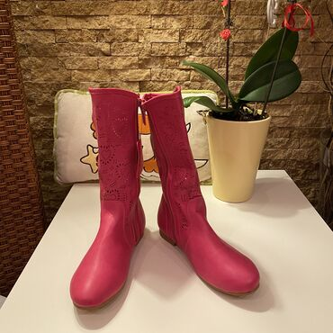 Decije cizme - Srbija: TOTALNA RASPRODAJA!!!Nove roze cizmice za devojcice za prelazno vreme