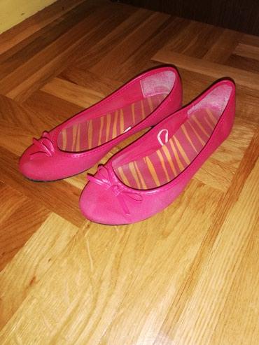 Prodajem pink baletanke skoro kao. Nove 39 broj ultra moderne i udobne - Belgrade