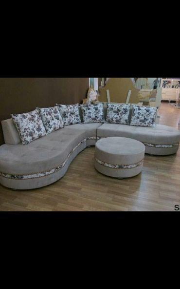 Bakı şəhərində Kunc divan divanlar pufikle birlikde.cesidler coxdur.original