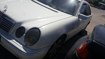 Mercedes-Benz E-Class 2 л. 1995