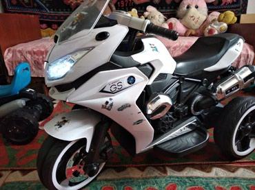 Мотоцикл детский.почти новый на оккумуляторе. есть зарядник. в Кочкор