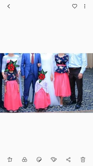 Женская одежда в Нарын: Платья мама-доча. размер платья мамы регулируется 42-44-46. платья для