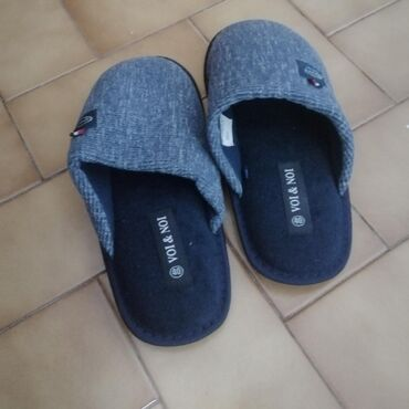 Gray Voi & Noi slippers for sale. Size 40. Not worn before
