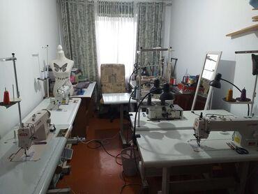 Пошив и ремонт одежды - Кыргызстан: Швея-надомница ищет постоянного заказчика,стаж 25 лет Орто сай рынок