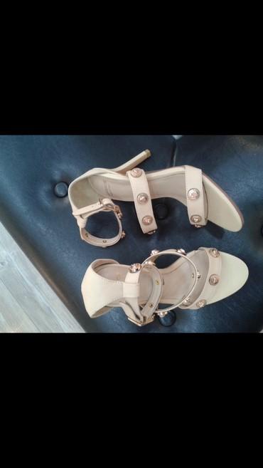 ayaqqabıları 40 41 - Azərbaycan: Versage modelidi.deridir.40-41 razmerdir.1defe geyilib.rahatdir.kok