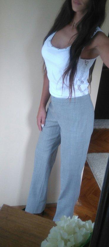 Poslovno elegantni komlet - Srbija: H i M sive pantalone Za elegantnije ili poslovne kombinacije