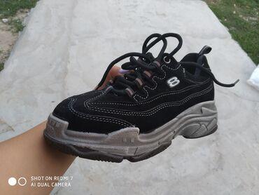 maoda кроссовки в Ак-Джол: Новые. Размер 35 возможно подойдет и на 34. Звонить