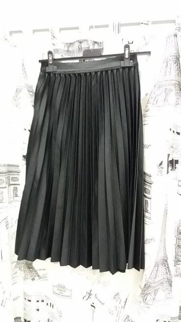Suknja-duzina - Srbija: 1800 dinPlisirana suknja Uni velicina,duzina 65cm