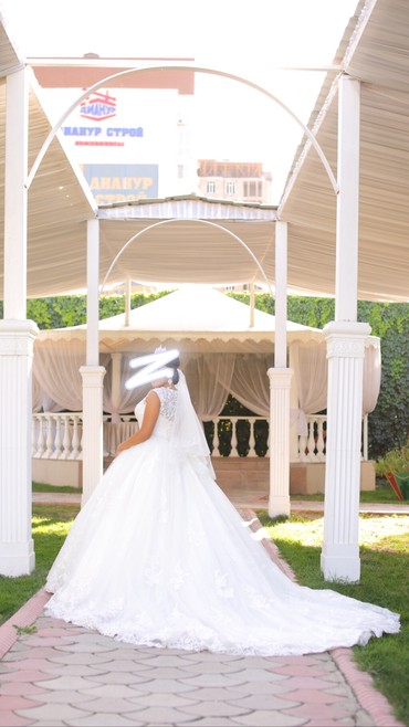 Свадебные фужеры - Кыргызстан: Свадебное платье LUSSANO BRIDAL DAKOTA 16853 цвет айвори, размер регул