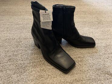 Продаю новые, стильные ботинки Zara, полностью кода. К сожалению не по