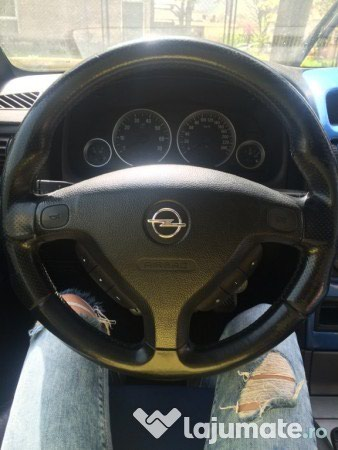 Bakı şəhərində Opel Rulun airbagi