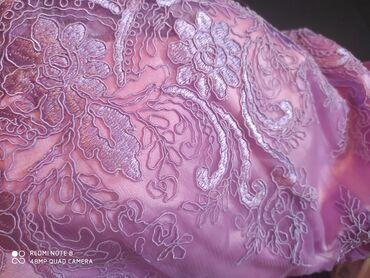 вечернее платье до колен в Кыргызстан: Срочно! срочно! 2500с Шикарное платье французской длины. Размер 42