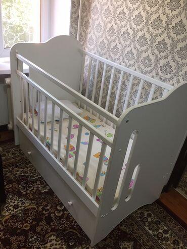 Продаю детский манеж трансформер(можно качать, можно сделать кровать