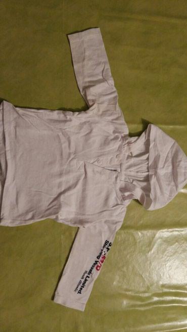 Majica na dug rukav sa kapuljacom za bebe vel.74,bele boje,polovna i - Petrovac na Mlavi