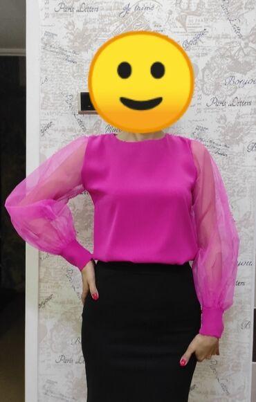 шорти в Кыргызстан: Продаю стильную блузку малинового цвета рукава из органзы! Отлично