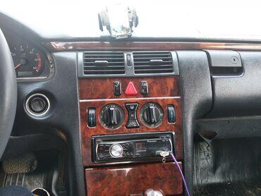 Mercedes-Benz E 240 2.2 l. 1999   28000 km